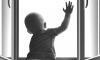 Двухлетний мальчик выпал из окна на Лиговском