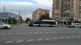 """На Ленинском проспекте """"Ленд Ровер"""" врезался в троллейбу..."""