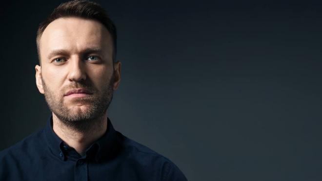 Алексей Навальный находится в Омске в реанимации без сознания