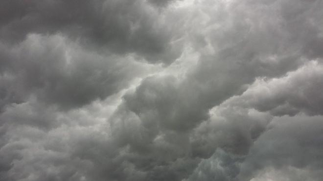 Петербург попал в теплый сектор атлантического циклона