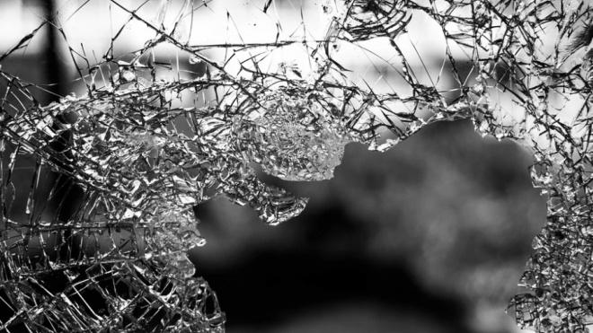 """На """"Скандинавии"""" вылетевшее на """"встречку"""" авто врезалось в машину медслужбы"""