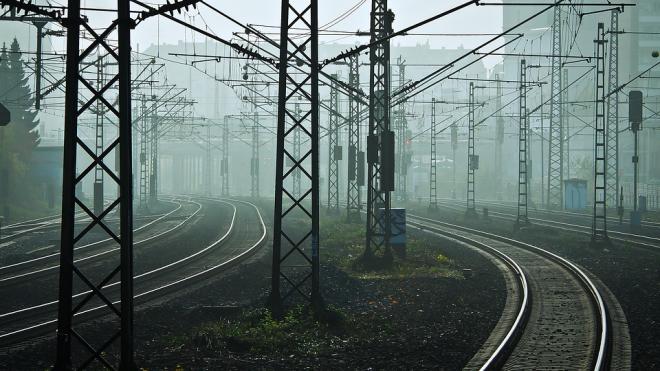 """Поезд """"Ласточка"""" застрял на перегоне из-за постороннего предмета на путях"""