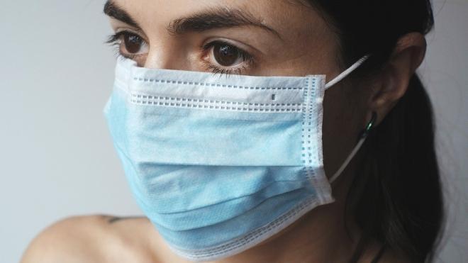 За прошедшие выходные в Ленобласти порядка 100 человек заболели коронавирусом
