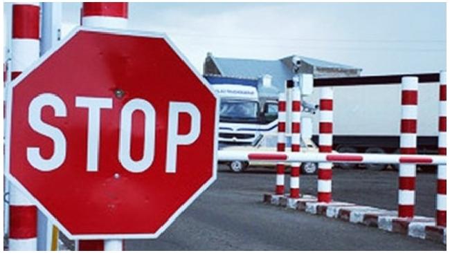 С начала года в Петербурге вынесено на 1000% больше постановлений о запрете на выезд за рубеж, чем в 2011-м