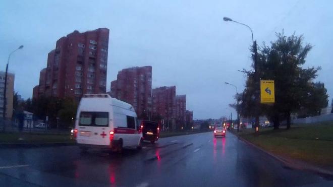 В Приморском районе водитель микроавтобуса умер за рулем