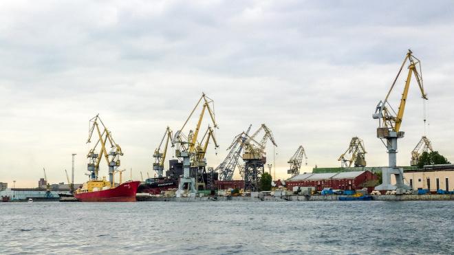 В Петербурге морской порт увеличил грузооборот на 13%
