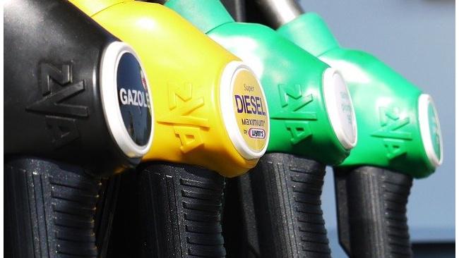 Росстат заявил о росте цен на бензин за неделю