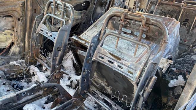 Жительница Петербурга подозревает в поджоге своей машины управляющую компанию