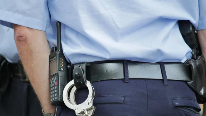 Студента колледжа задержали на улице Пограничника Гарькавого с аэрозольным пистолетом и ножом