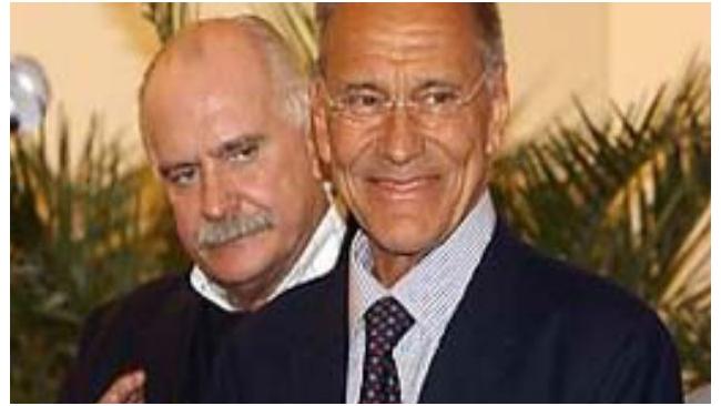 """Михалкову и Кончаловскому не дали 1 млрд рублей на сеть """"Едим дома"""""""