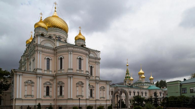 В Петербурге освятили Воскресенский собор Новодевичьего монастыря