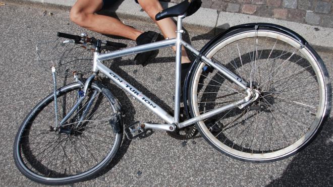 На Дороге в Каменку иномарка сбила юного велосипедиста