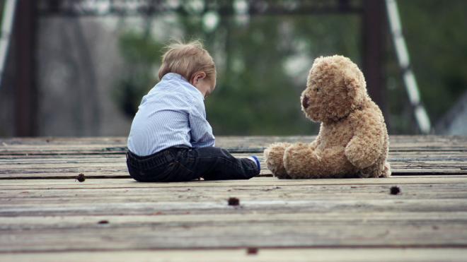 Петербуржцы без определенного места жительства смогут получить выплаты на детей