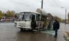 Автобус с пассажирами разнес остановку на Пискаревском проспекте