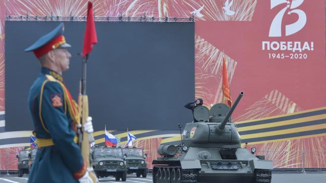 Около 600 росгвардейцев обеспечивали порядок во время парада Победы на Дворцовой