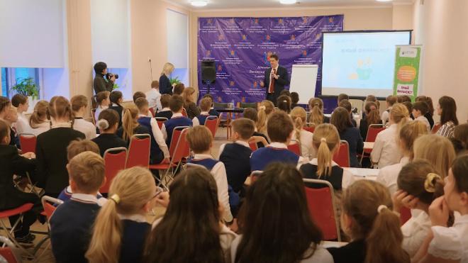 Учащиеся начальной школы проводят за уроками 47 часов в неделю
