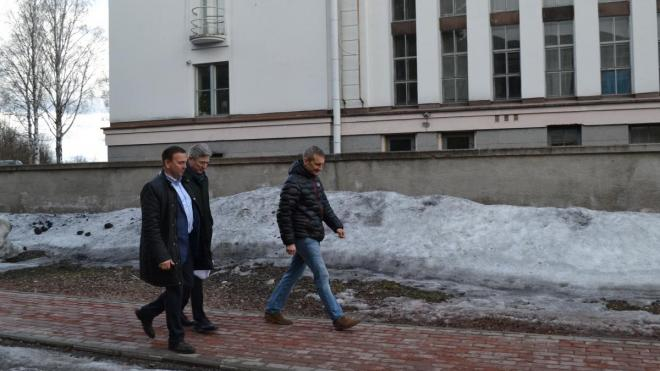 Подрядчика обязали до 9 мая устранить дефекты на Смоляном мысе