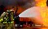 Две машины удалось спасли из пылающих гаражей на Суздальском проспекте