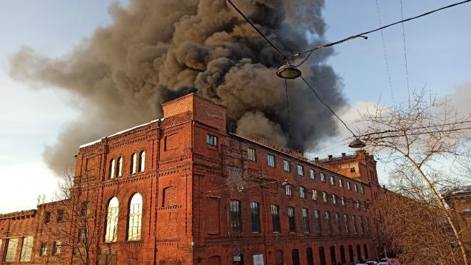 Пожарные локализовали горение постройки на Косой линии