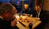Губернатор Ленобласти провел совещание в шлиссельбургской пиццерии