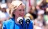 Хиллари Клинтон могла упасть со ступенек из-за пьянки на 23 февраля
