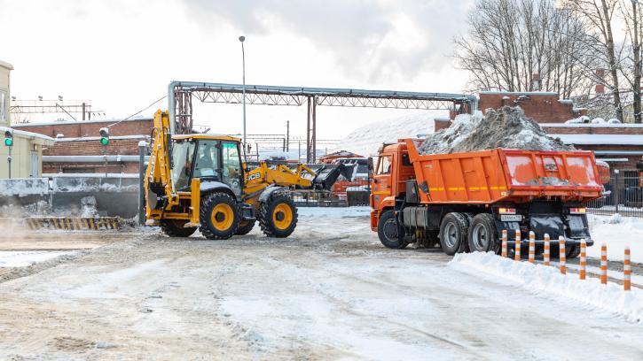 За неделю с улиц Петербурга убрали более 138 тысяч кубометров снега
