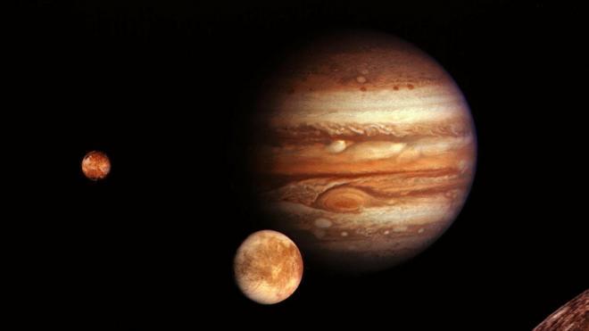 """При ясной погоде петербуржцы смогу увидеть """"слияние"""" Юпитера и Сатурна впервые за 400 лет"""