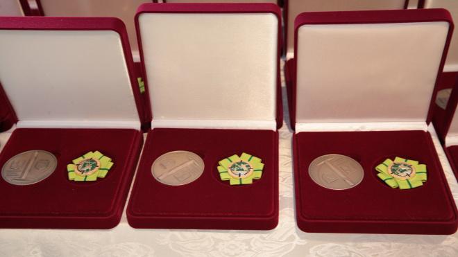 Беглов вручил юбилейные медали жителям блокадного Ленинграда в Израиле