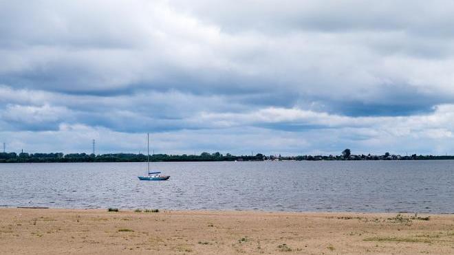 Стало известно, когда в Петербурге откроются пляжи
