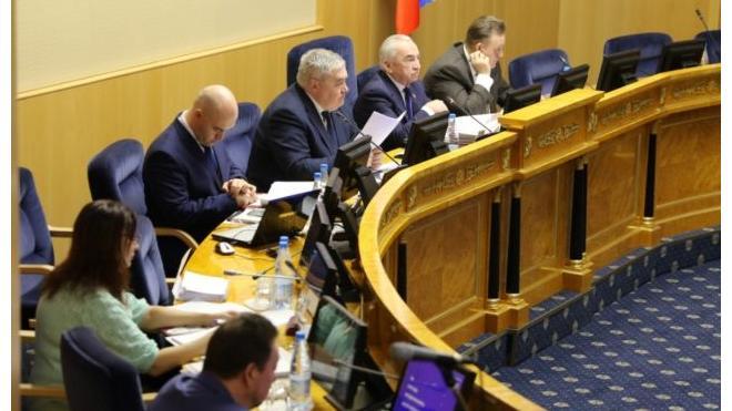 Звания Почетных граждан Ленобласти получили гендиректор научного института и депутат