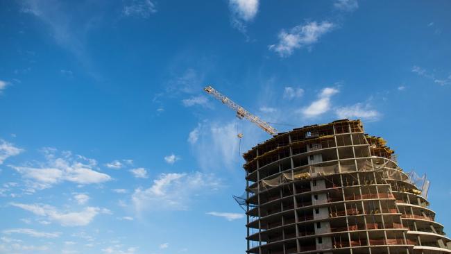 В апреле в Петербурге ввели в эксплуатацию более 100 домов