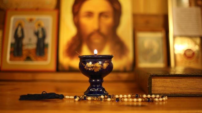 В Петербурге разыскивают мужчину, который вынес драгоценности из Храма Воскресения Словущего