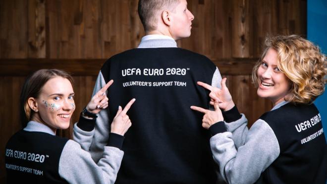Почти 11 тысяч человек подали заявки на волонтерство во время Евро-2020 в Петербурге