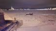 Пьяный мастер танцевал на льду у Дворцового моста
