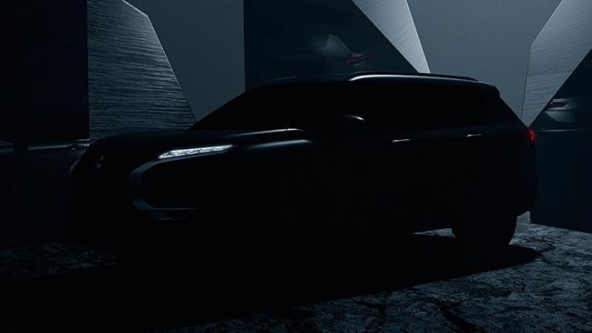 Mitsubishi представила фото обновленного кроссовера Outlander