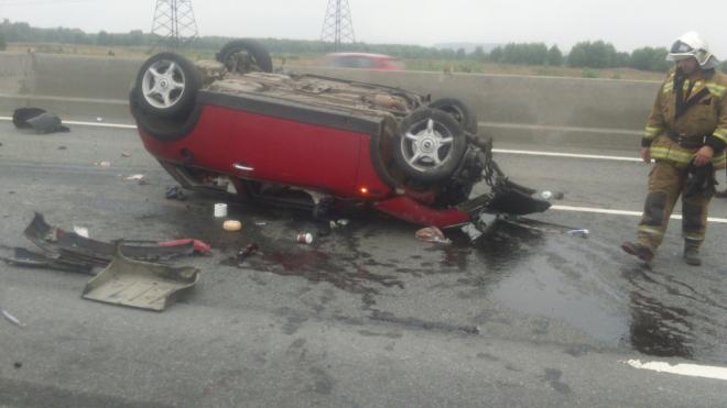На Киевском шоссе перевернулся MINI Cooper, есть пострадавшие