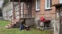 Из окна инфекционного госпиталя в Новосибирске упала пациентка