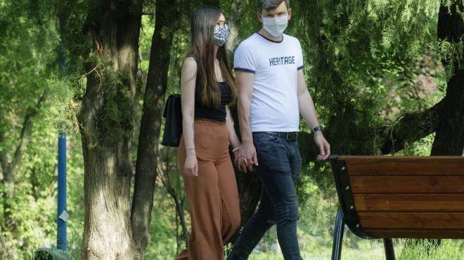 Горожанам рассказали, нужно ли носить маски в парках