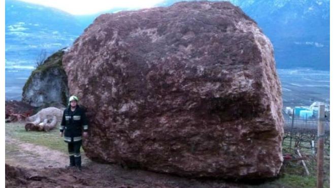 В Таиланде российскую туристку убил упавший огромный камень