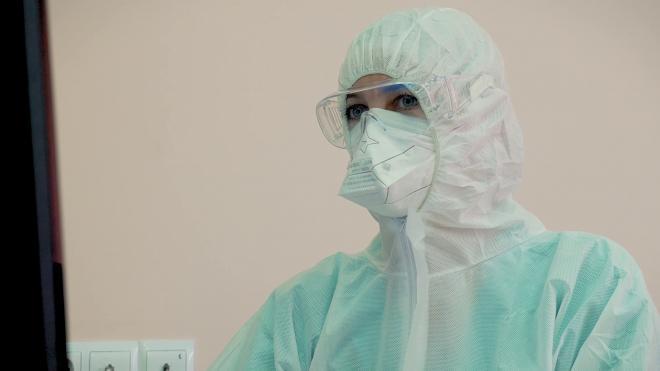 В Петербурге ежедневно производят почти 2 млн масок