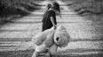 На улице Егорова нашли маленькую девочку на самокате