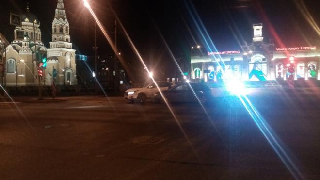 Каршеринг столкнулся с Mazda у Варшавского вокзала