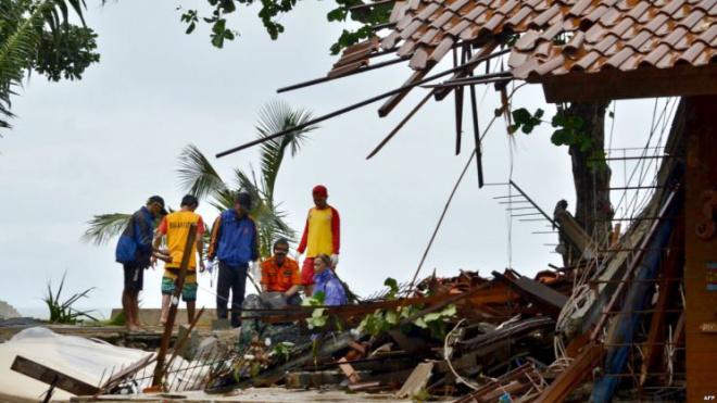Цунами в Индонезии унесло жизни 222 человек