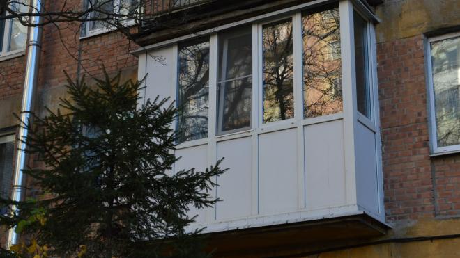 Полиция задержала нетрезвого мужчину, который стрелял с балкона на Маршала Блюхера