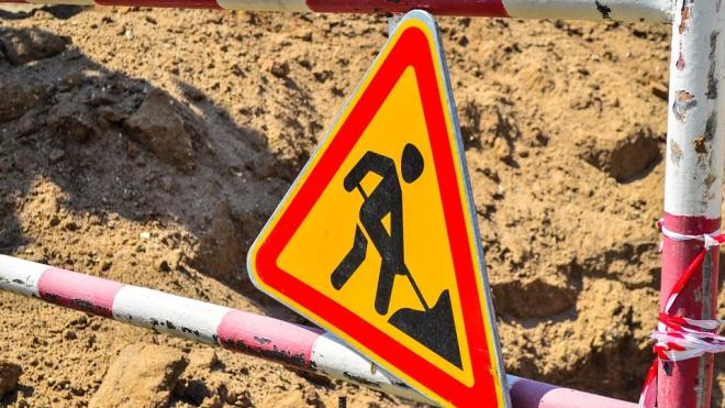 Выбраны подрядчики для ремонта дорог в трех районах Петербурга