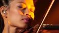 В Петербурге скрипачка Ванесса Мэй раздала автографы ...
