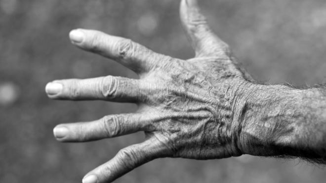 Петербурженка нашла отца через 40 лет после исчезновения, чтобы выписать из квартиры