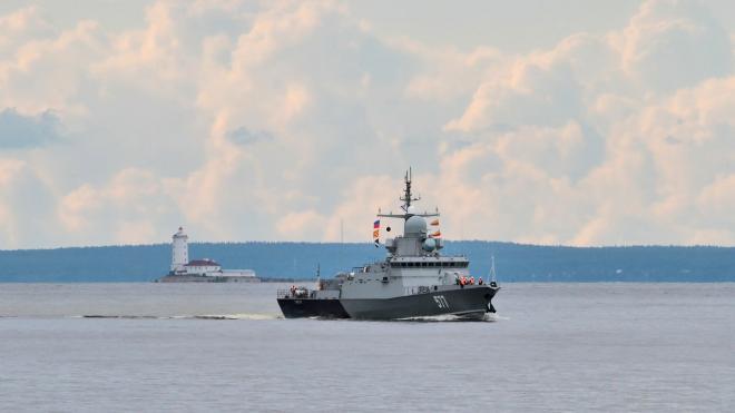 В Кронштадт прибыл отряд боевых катеров для участия в параде в День ВМФ