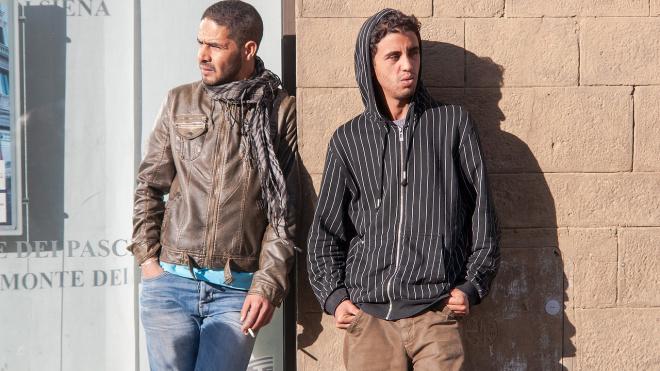 В Выборге задержали мужчину, прописавшего в своей квартире двух мигрантов-нелегалов