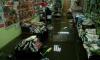 В Приморском районе Петербурга затопило магазин с товарами для дачи